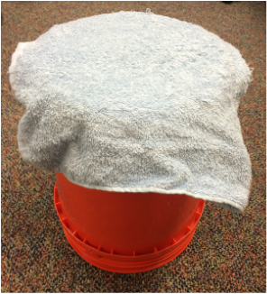 Bucket Muted With Towel